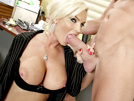 Blonde MILF Diamond Foxxx' Big Tits